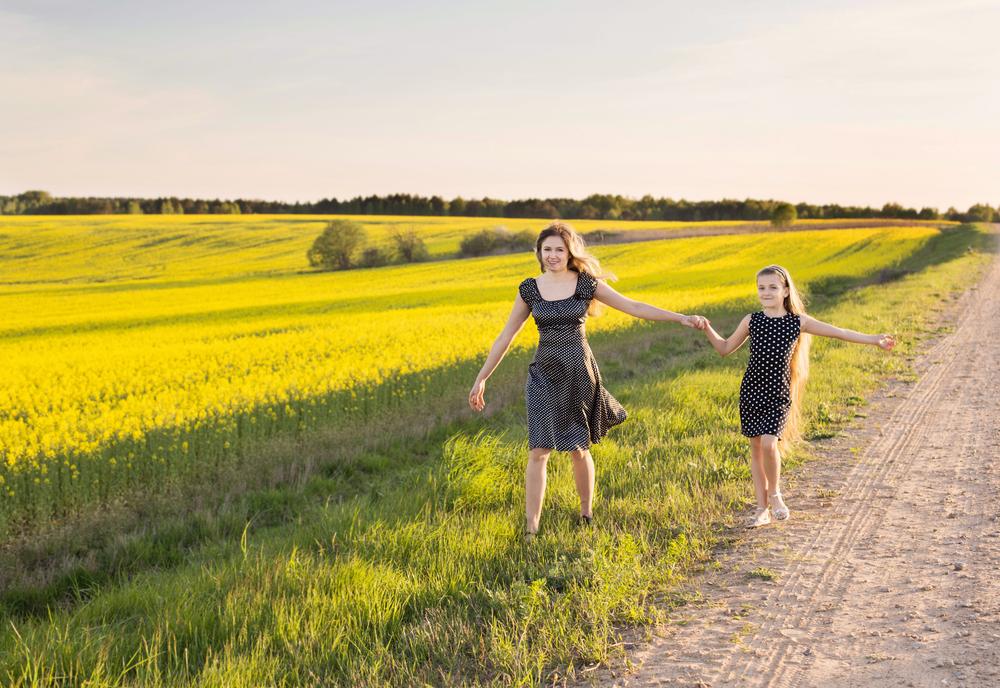 girls flower field